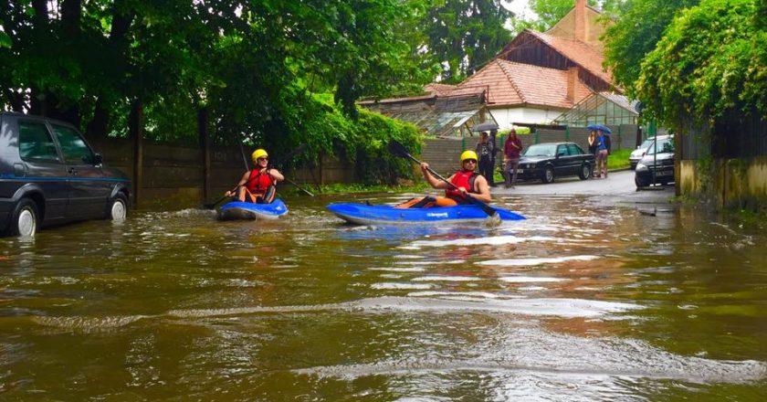 barca caiac inundatii cluj