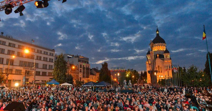 """""""La Operă"""" - concert în aer liber în Piaţa Avram Iancu din Cluj-Napoca"""