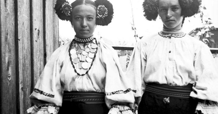 Imagini de colecţie. Cum arătau ţăranii din Transilvania acum 100 de ani