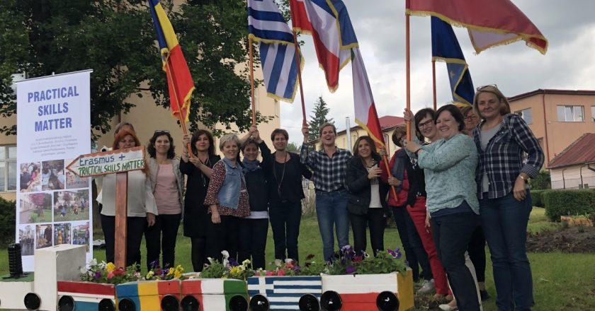 """Reuniune Erasmus+ la Școala Gimnazială """"Emil Isac"""" din Cluj-Napoca"""