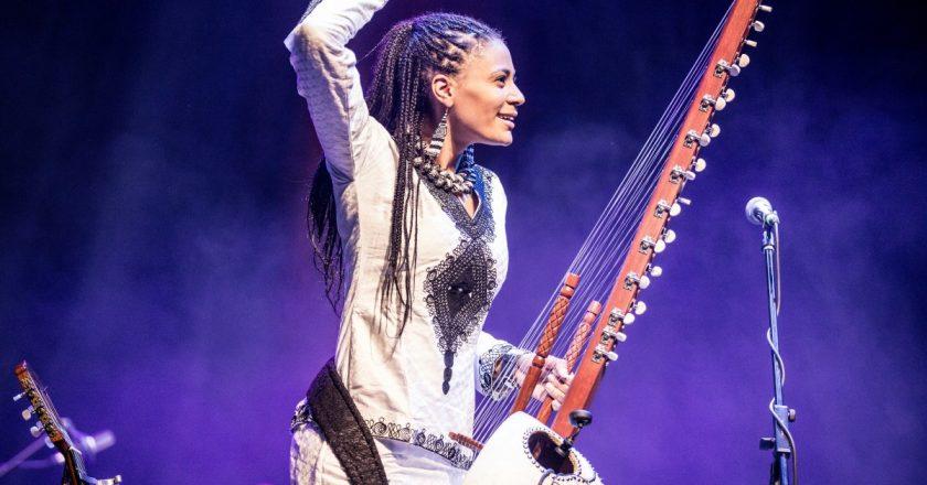 Prima cântăreață la kora din Africa, Sona Jobarteh, va concerta la Jazz in the Park
