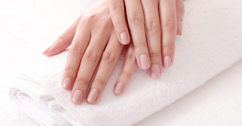 Tips & Tricks: Ingrijirea unghiilor casante