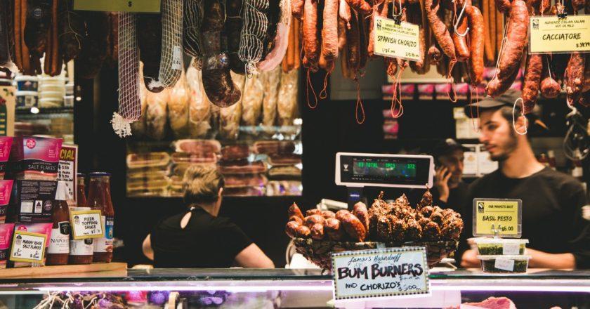 A fost lansată prima bancă de alimente din Cluj | Surplusul de alimente nu va mai fi aruncat la gunoi