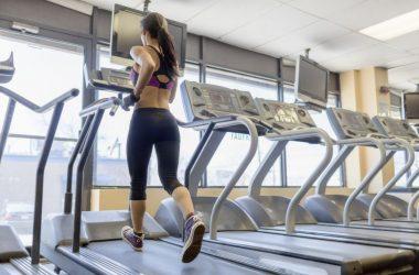 Cum să slăbeşti rapid pe banda de alergare? Iată câteva sfaturi esenţiale