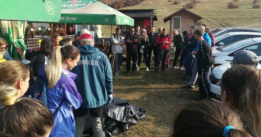 Acțiune de ecologizare în Cheile Turzii: s-au colectat aproape 50 de saci de deșeuri