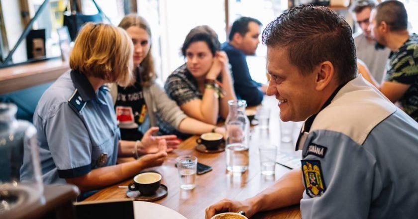 La Cluj, cafeaua aduce poliţiştii mai aproape de cetățeni, în cadrul unui eveniment atipic