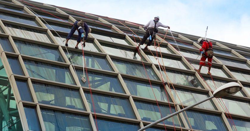4 avantaje oferite de geamurile securizate