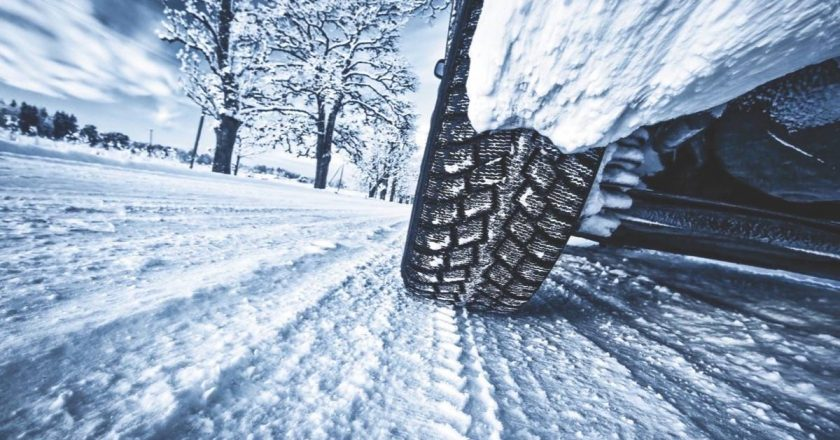 Top 6 lucruri esenţiale pentru echiparea corespunzătoare a autoturismului pe timpul iernii