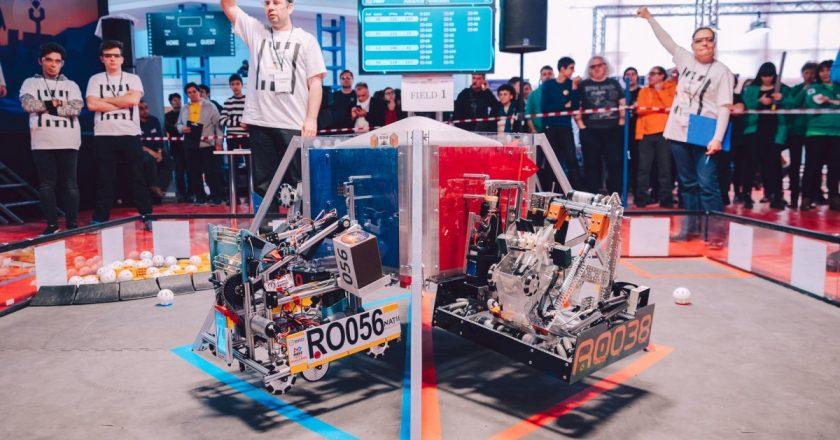 Competiţieregională de robotică la Cluj