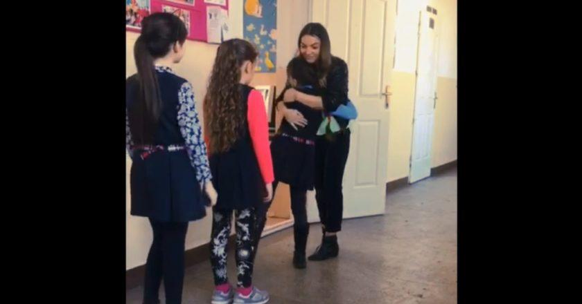 Cum îşi aşteaptă o învăţătoare din judeţul Cluj elevii la clasă