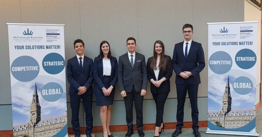 Succes pentru o echipă de studenţi din Cluj: locul al doilea într-o competiție organizată la Georgetown University din Washington DC