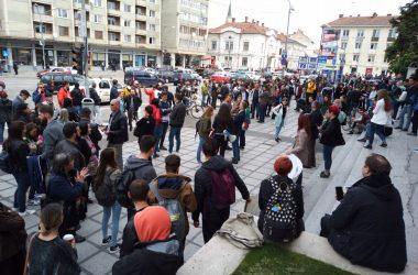Viorica Dăncilă a ajuns la Cluj însă s-a ascuns de protestatari