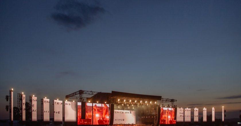 55.000 de oameni în cea de-a treia zi de Electric Castle! Castelul Bánffy și-a regăsit prințesa: Florence