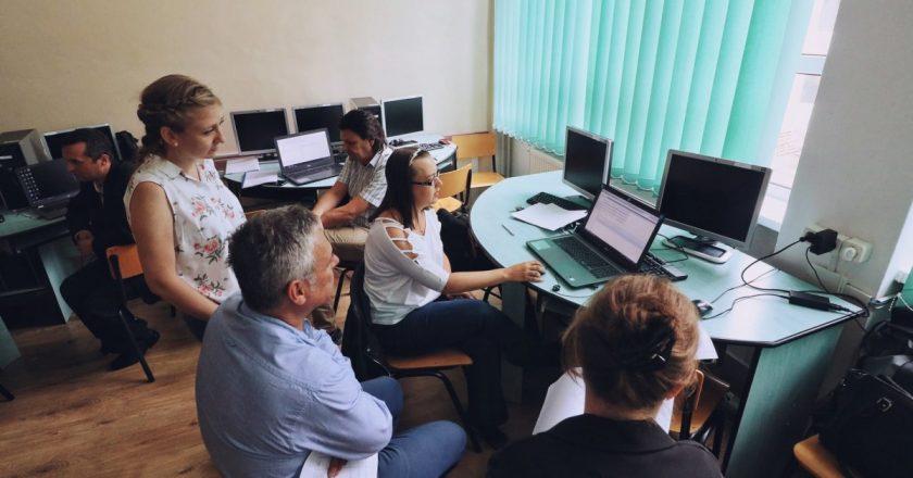 Vrei să lucrezi în domeniul IT? Înscrie-te la cursul de reconversie profesională oferit de Universitatea Tehnică din Cluj