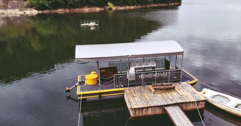 Un deputat clujean vrea să interzică ambarcaţiunile pe lacul Tarniţa