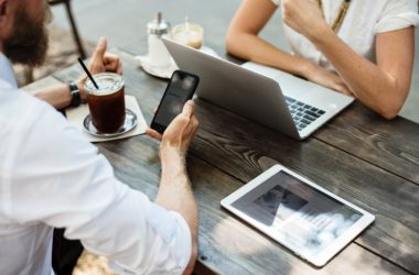 Clujenii în TOP 3 la cumpărăturile online din România