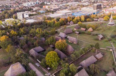 """Intrare gratuită în Parcul Etnografic Naţional """"Romulus Vuia"""" din Cluj-Napoca pentru participanții la festivalul MIORITMIC"""