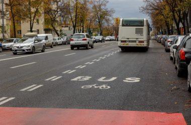 A fost implementată banda dedicată transportului în comun pe Calea Florești