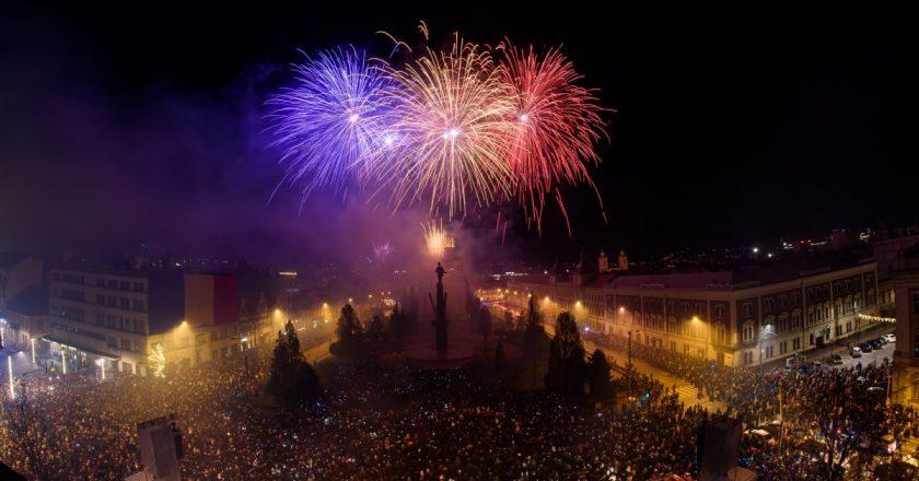 Peste 100.000 de oameni au participat la evenimentele dedicate Zilei Naționale a României