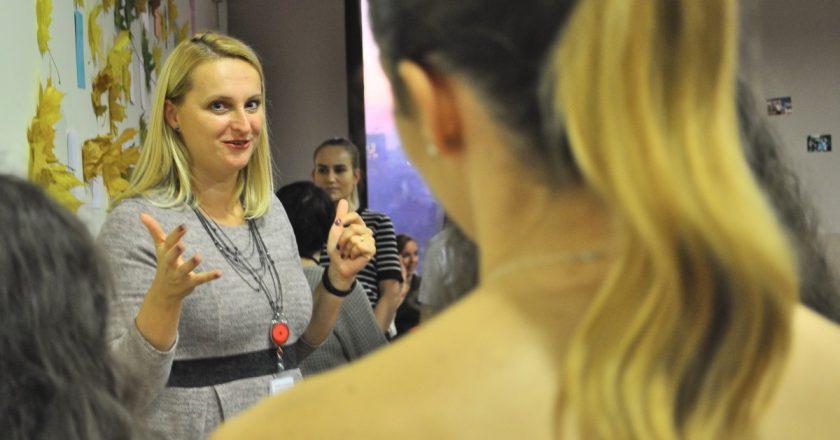 INTERVIU Carmen Bindas (HR Manager): Integritatea, bunul simț și asertivitatea - competențe cheie pe care angajatorii le caută azi în rândul tinerilor