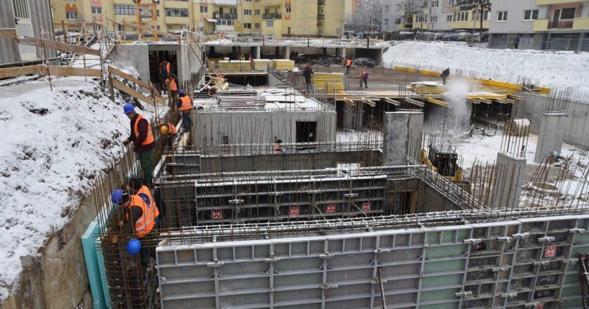 Peste 1200 de noi locuri de parcare în cartierele Clujului în 2020