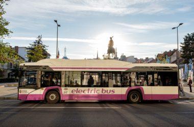 Elevii și studenții din Cluj-Napoca vor beneficia de la 1 martie de 120 călătorii gratuite pe mijloacele de transport în comun