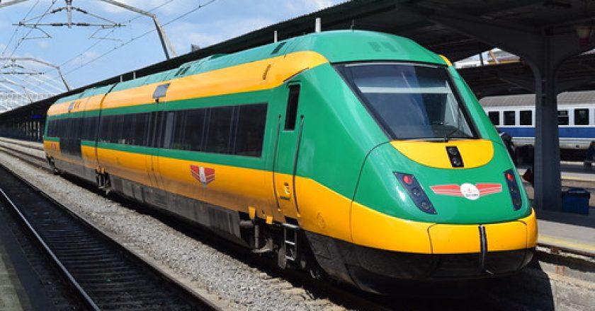 Calea ferată dintre Cluj şi Oradea va fi modernizată | Trenurile vor circula cu viteze de până la 160 km/h