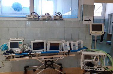 USAMV Cluj a oferit 12 aparate medicale unui spital din Cluj care tratează pacienţii cu Covid-19