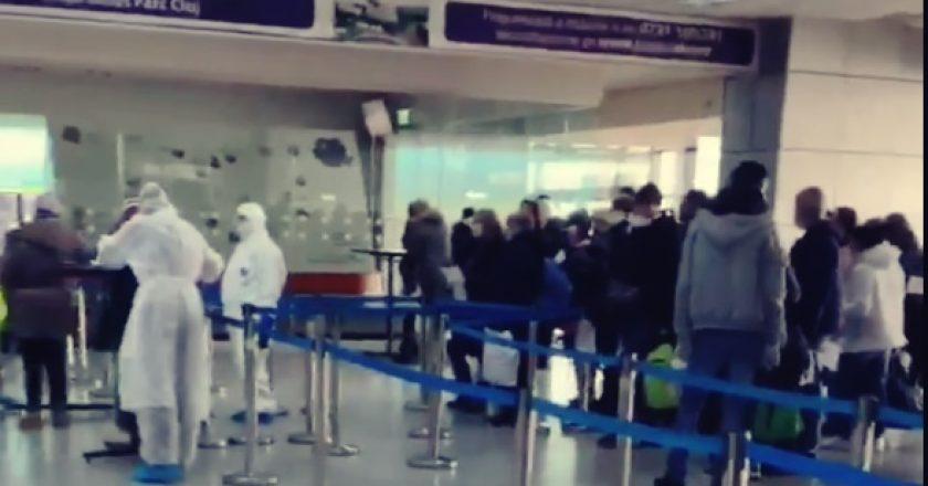 50 de români au ajuns pe Aeroportul Cluj din Italia prin Germania! Iniţial nu au declarat că vin din Italia