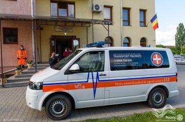 """Ambulanţă donată Centrului de Îngrijiri Paliative """"Sfântul Nectarie"""" Cluj-Napoca"""