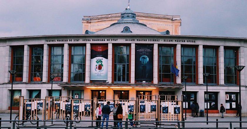 Teatrul Maghiar de Stat Cluj organizează spectacole pe malul Somesului