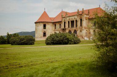 Chiar dacă Electric Castle nu are loc în acest an festivalul reuşeşte să strângă bani pentru renovarea Castelului Banffy