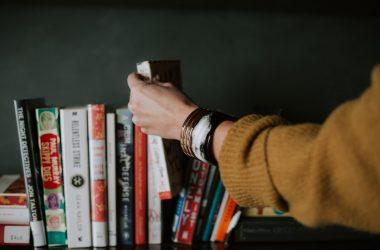 Cum ne influențează cititul și cât de mult ne poate schimba o carte