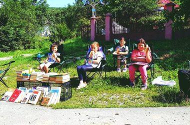 """A început campania """"Vara asta, citim"""" - ajută la promovarea lecturii în rândul copiilor care locuiesc la sat în judeţul Cluj"""
