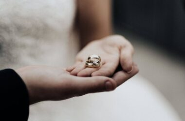 Vrei o nuntă de invidiat? Ce TREBUIE să știi dacă vrei să îți organizezi tu evenimentul!