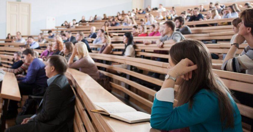 UTCN va începe anul universitar 2021 – 2022 cu activități didactice față în față
