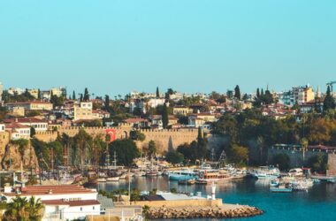 Antalya: locația perfectă de vacanță