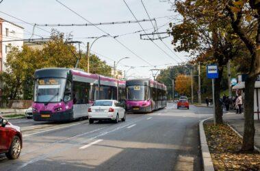 Toate cele 24 de tramvaie ASTRA au ajuns la Cluj-Napoca